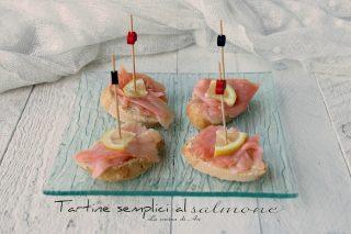 tartine semplici al salmone