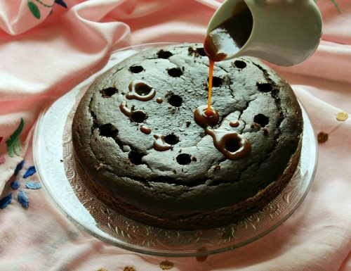 POKE CAKE AL CIOCCOLATO E CARAMELLO