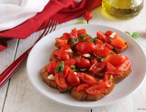 Pane fritto con pomodorini
