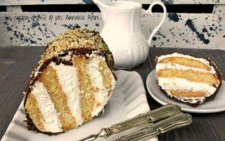 Torta senza cottura di biscotti panna e cioccolato