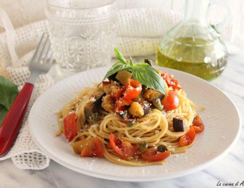 Spaghetti melanzane,pomodorini e capperi-Ricetta primo piatto