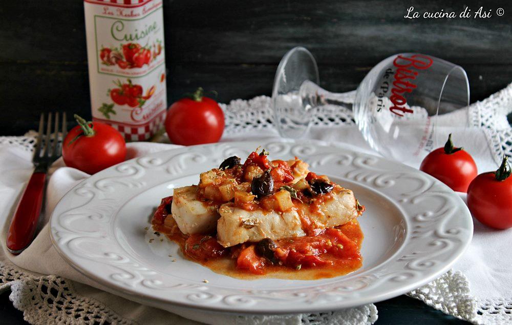 Filetti in umido con pomodorini e olive