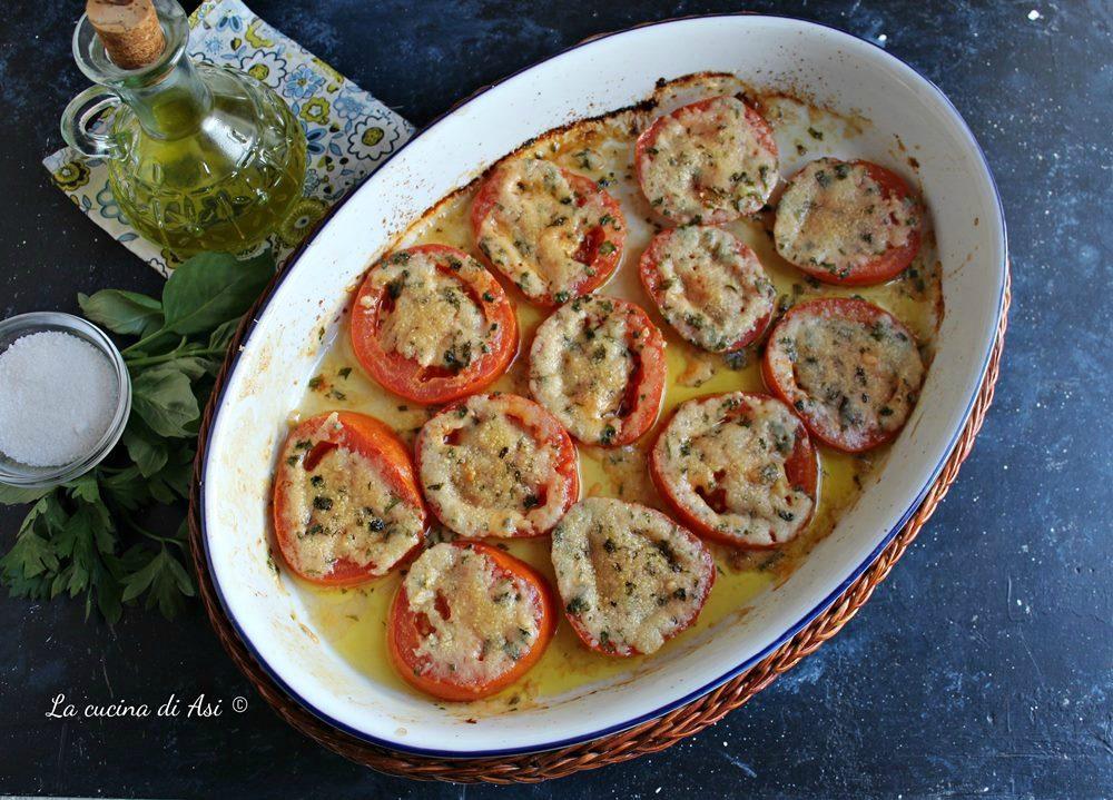 Pomodori gratinati al parmigiano pronti in 15 minuti