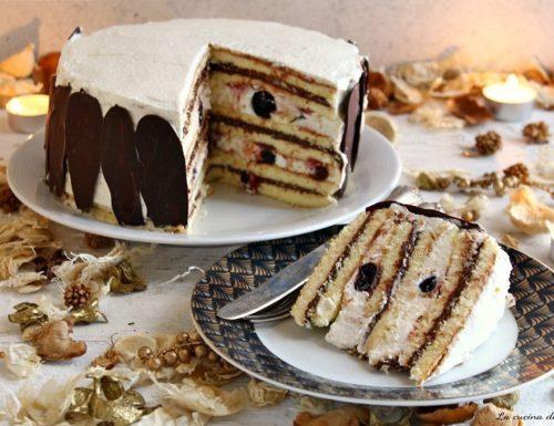 Torta farcita con cioccolato e amarene