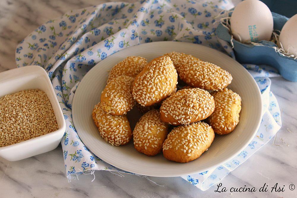 Biscotti regina al sesamo senza ammoniaca