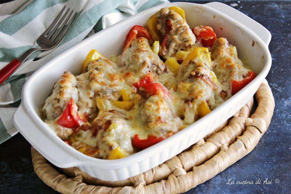 Barchette ripiene di peperoni al forno