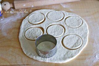 Pizzette veloci in padella senza lievitazione