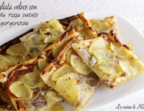 Sfogliata veloce con cipolla rossa patate e gorgonzola