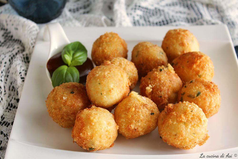 Palline di mozzarella ricetta finger food