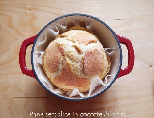 Pane semplice in cocotte di ghisa