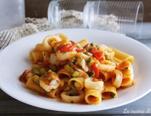 Pasta zucchine e calamari