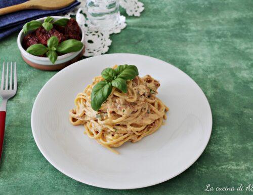 Spaghetti cremosi ricotta e pomodori secchi