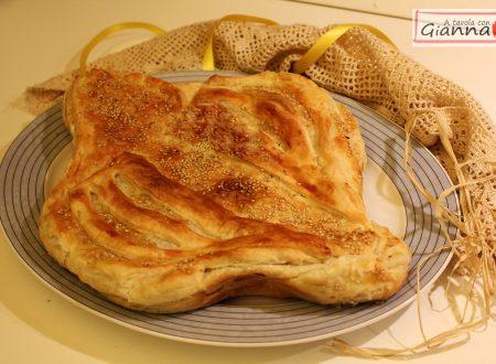 Colomba salata con prosciutto, formaggio e patate