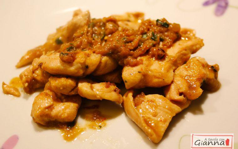 Petti di pollo con crema di melanzane al basilico