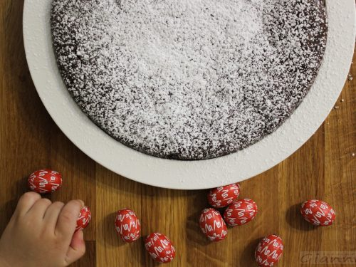 Torta al cioccolato con due ingredienti