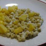 Ditalini con gorgonzola e patate – Garnish with gorgonzola and potatoes
