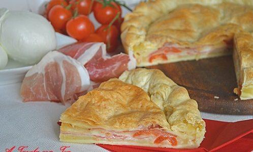 Torta salata mozzarella di bufala crudo pomodori