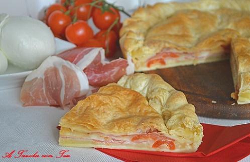 Torta salata mozzarella di Bufala, crudo e pomodori