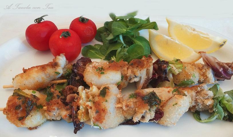 Spiedini di calamari gratinati al forno a tavola con tea for Spiedini di pesce gratinati