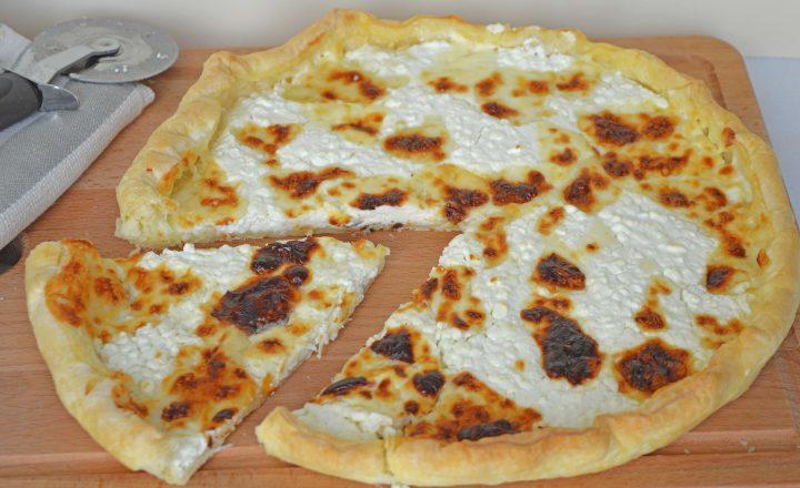 Focaccia al formaggio tipo recco senza impasto