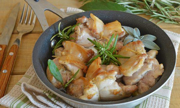 Involtini di pollo e bacon facili e succosi