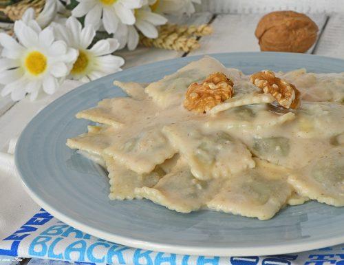 Ravioli spinaci e ricotta con salsa di noci – ricetta della tradizione