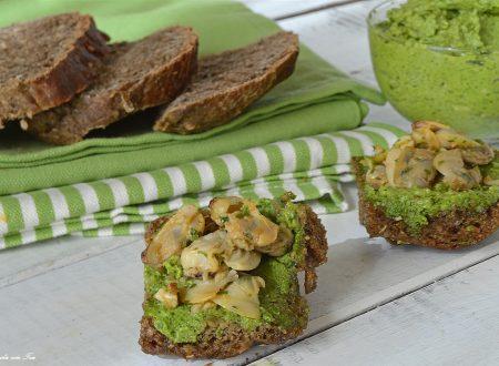 Tartine veloci vongole e salsa verde genovese