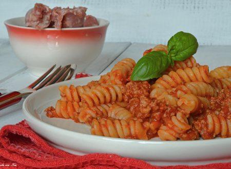 Pasta al ragù di salsiccia ricetta veloce