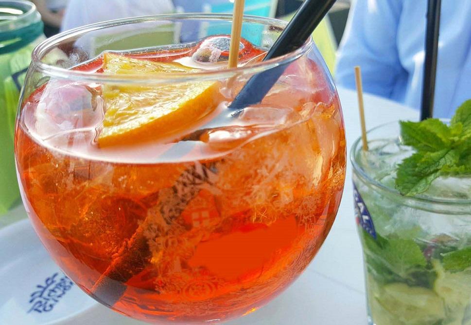 Spritz Ricetta Con Acqua Frizzante.Aperitivo Aperol Spritz Ricetta