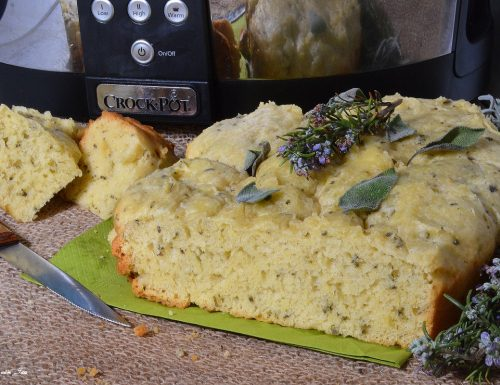 Focaccia con la salvia con la Crock Pot slow cooker
