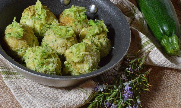 Polpette di zucchine e ricotta: fritte, al forno o in padella