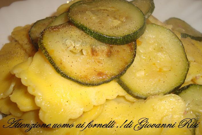 Ravioli di carne con zucchine