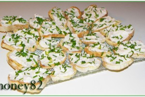 CROSTINI CON MOUSSE ALL'ARROSTO DI MAIALE