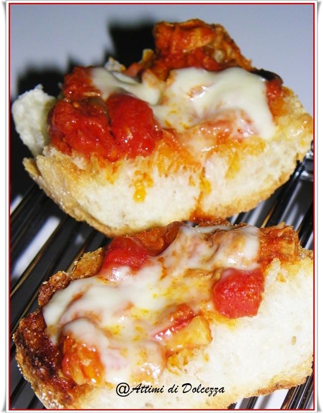 bruschette-al-tonno-e-pomodoro-06-04-15