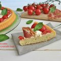 Crostata morbida salata pomodorini rucola e prosciutto crudo