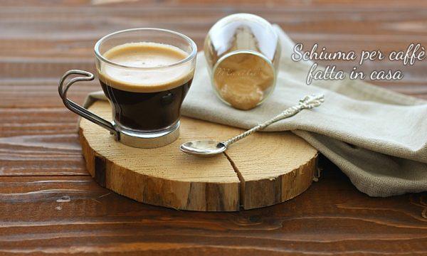 Come fare la schiuma per caffè