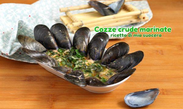 Cozze crude marinate con aceto menta e prezzemolo