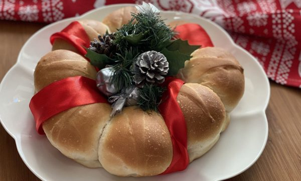 CORONA DI PANE NATALIZIA – centrotavola natalizio