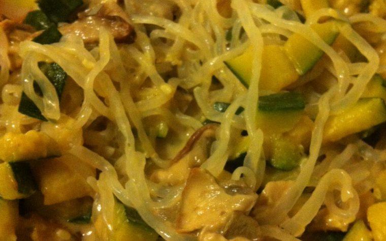 Shirataki con zucchine e funghi porcini, ricetta light