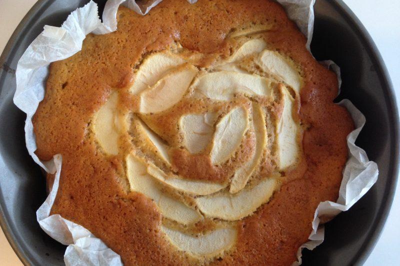 Torta di mele alla cannella (ricetta senza burro)