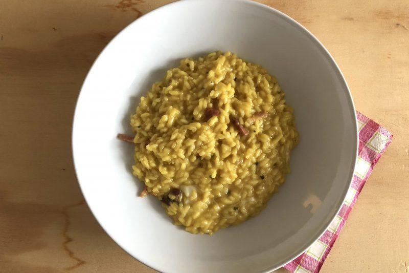 Risotto allo zafferano e speck (primo piatto)