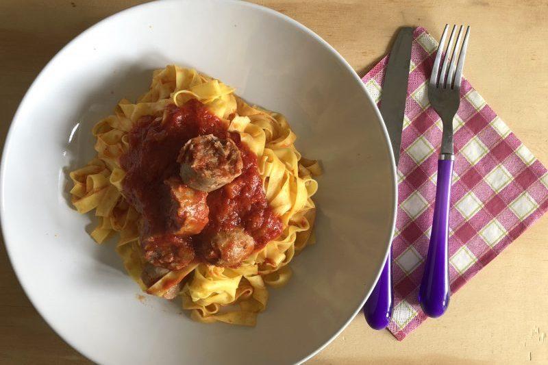 Tagliatelle al ragù di salsiccia (ricetta primo piatto)