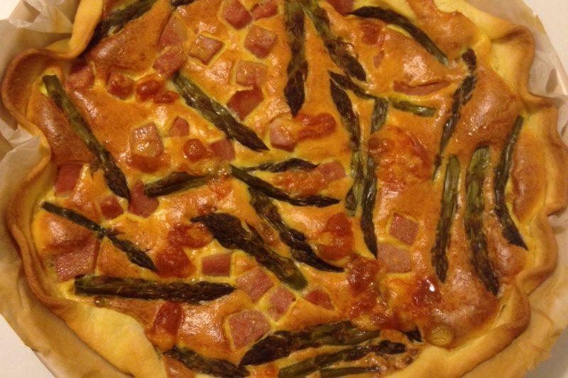 Quiche agli asparagi (ricetta piatto unico)