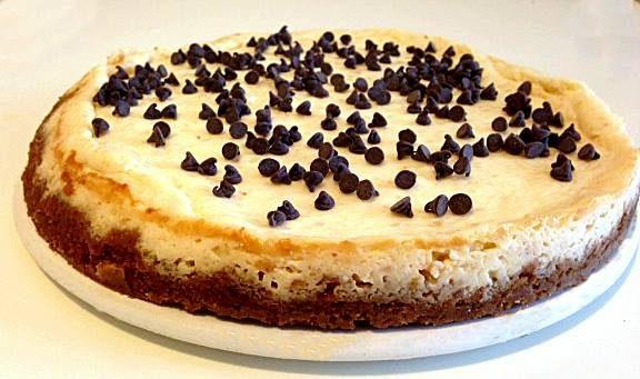 Cheesecake con gocce di cioccolato (ricetta dolce)