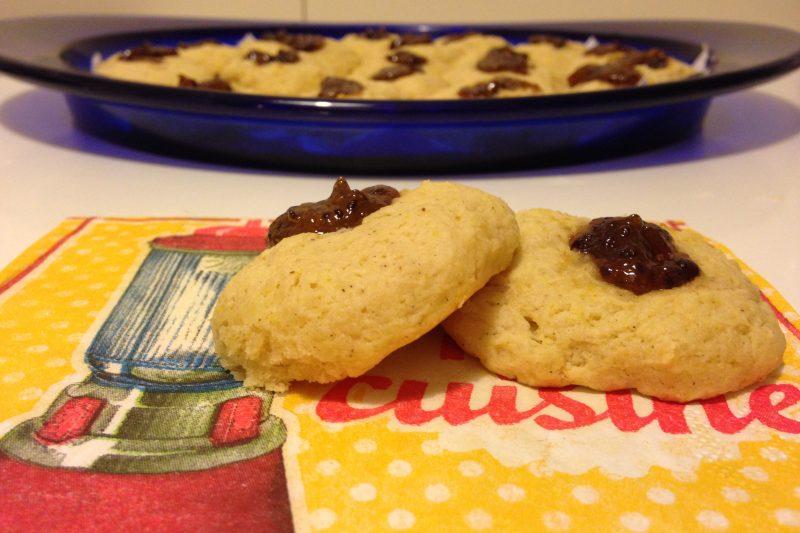 Biscotti morbidissimi con marmellata (ricetta dolce)
