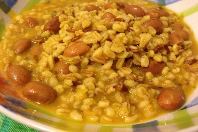 Zuppa veloce di cereali e legumi (ricetta primo piatto vegetariano)
