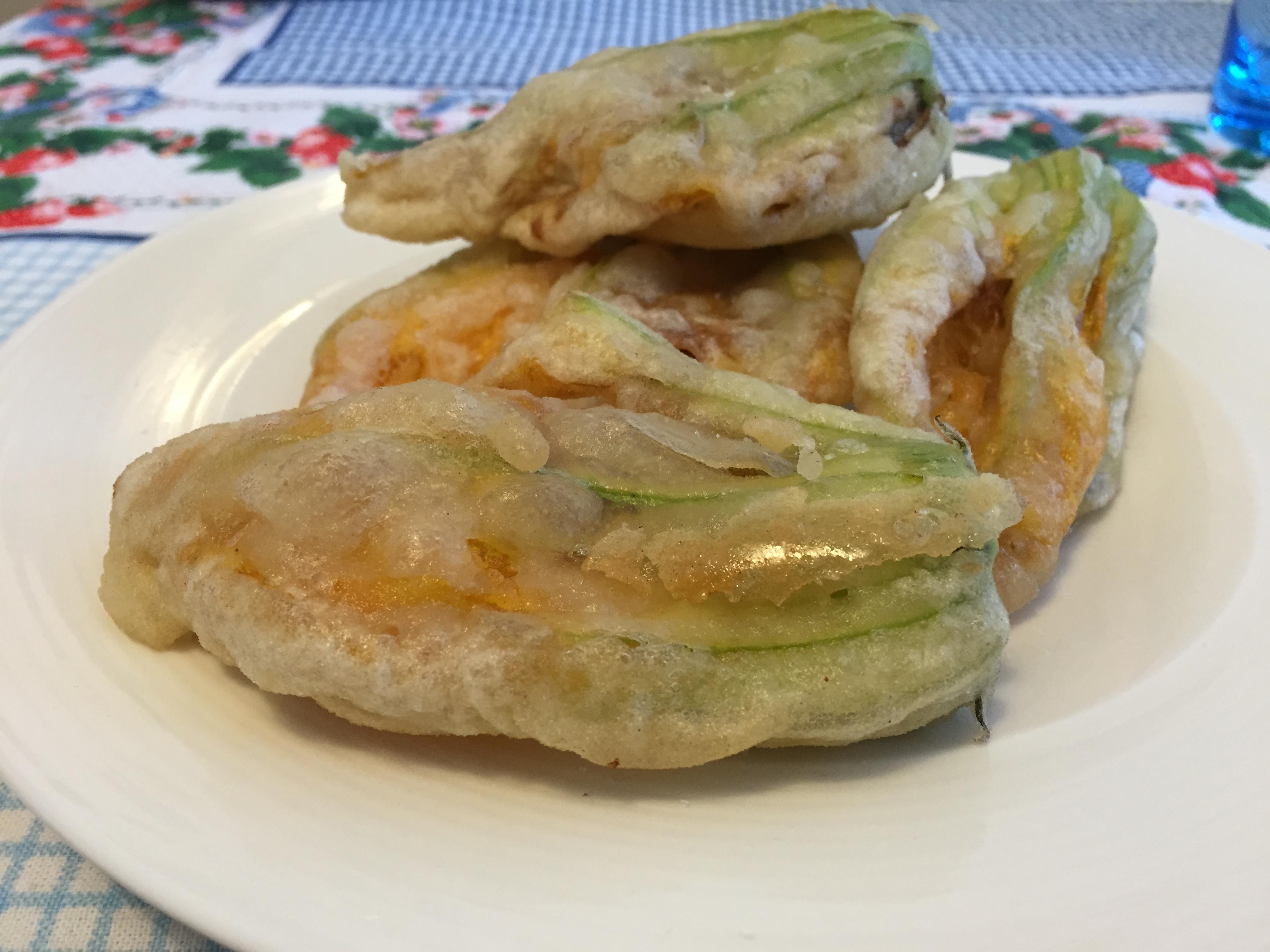 Fiori di zucchina in pastella (ricetta antipasto)