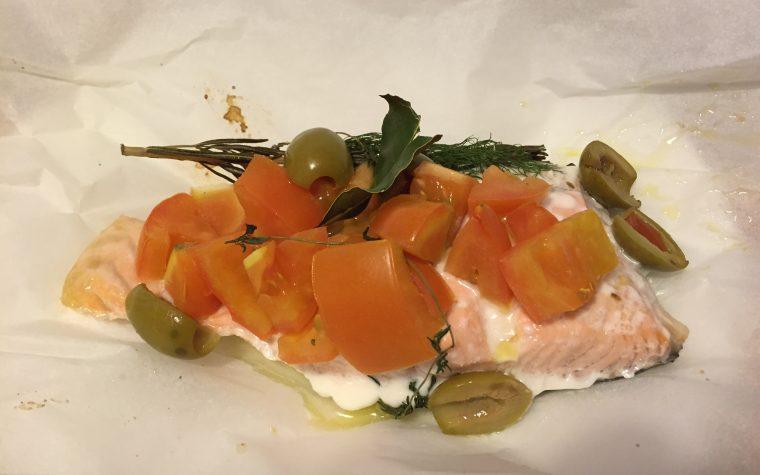 Salmone al cartoccio estivo (ricetta secondo piatto)