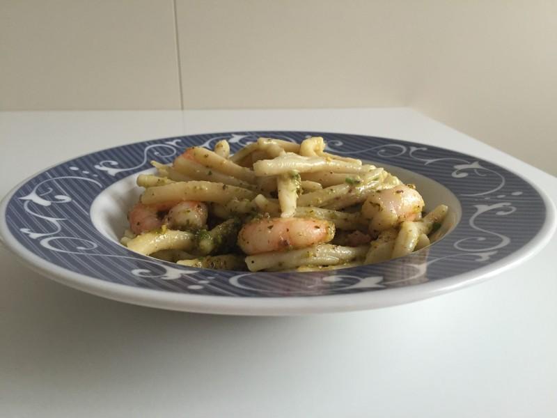 pasta con pesto di pistacchi e mazzancolle
