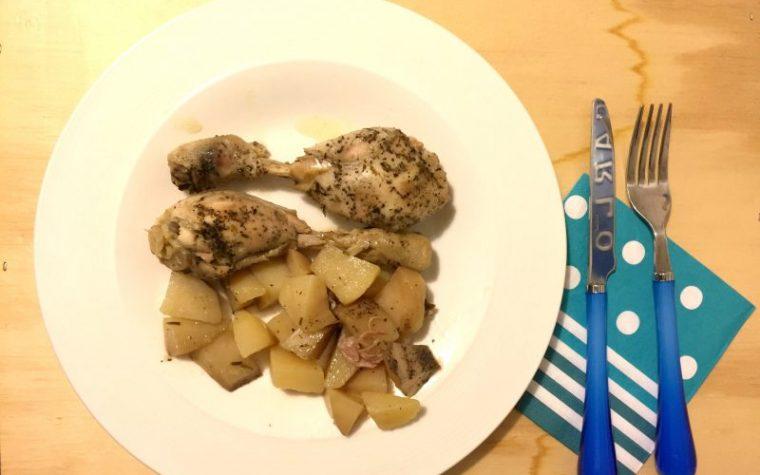 Pollo con patate nella slow cooker